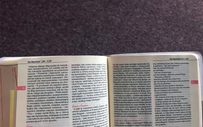 Kwadrans z Biblią.